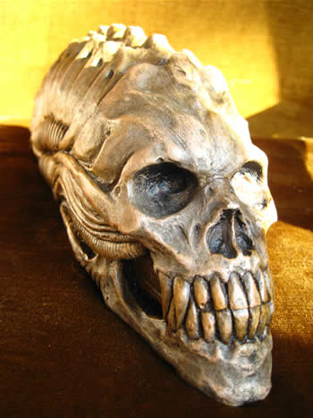 Alien Skull Garden Ornament